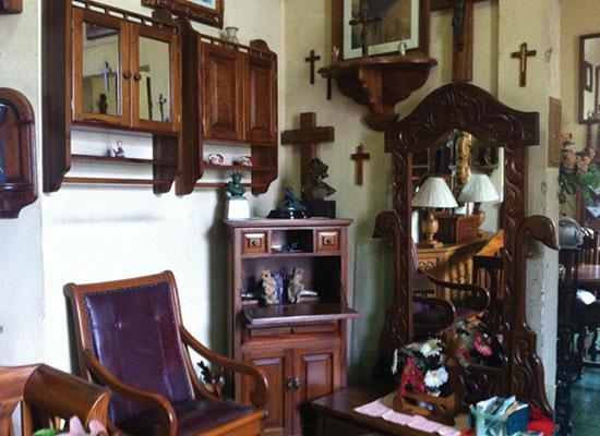 Muebles Artísticos Coloniales